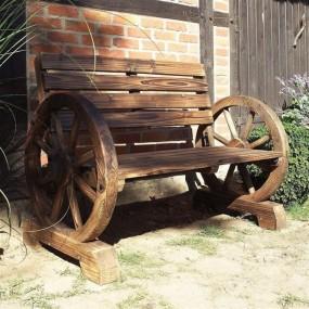 Ławka drewniana ogrodowa na kołach